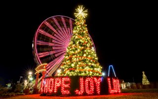 Dolly Parton's Stampede Participates in Giant Community Christmas Tree